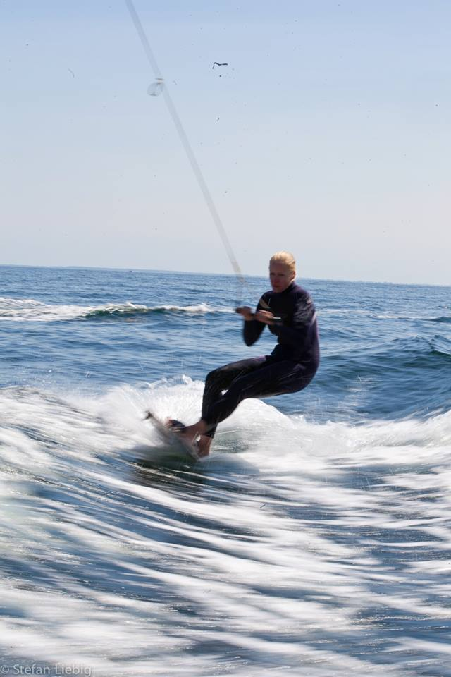 maren-wakeboarden
